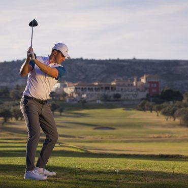 LaFincaGolf&SpaResort.Pareja.47.Golf.Chico.BackSwing